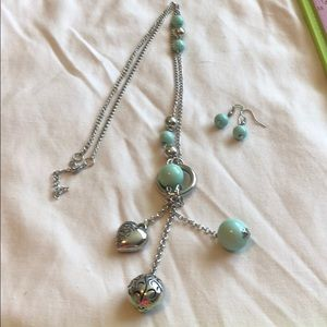 Long necklace with earrings